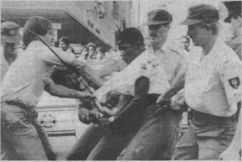 1985_8_RevolutionInSouthAfrica-3